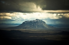 Photograph by Zanthia. On the picture one can see Mount Herðubreið. Herðubreið (Broad Sholder) is a tabletop mountain, or in another word, a Thuya.