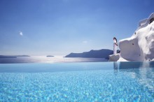 When Santorini erupts I will pack a particle filter mask, a mining helmet, googles, a backpack full of water-bottles and book a room at Katikies hotell. Imagine sitting in this infinity-pool looking at the distant view of Nea Kameni as it farts out a slow and nice VEI-2. I will so do it.