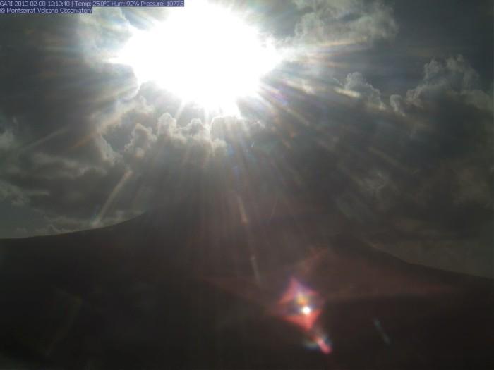 screenshot http://www.mvo.ms/science/monitoring/171-volcano-live/1718-live-cam-from-garibaldi-hill