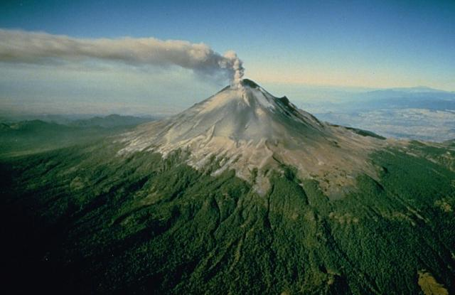 Photograph of Popocatépetl from Global Volcanism Program.