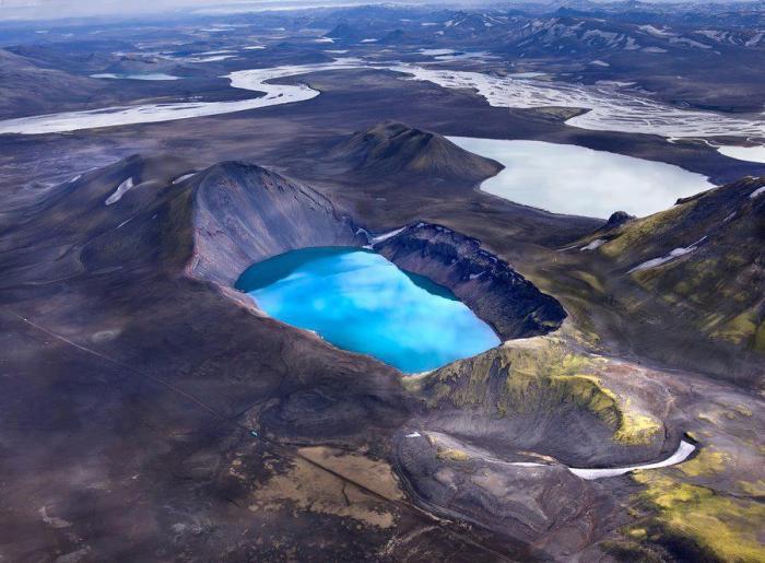Askja with the Viti crater.