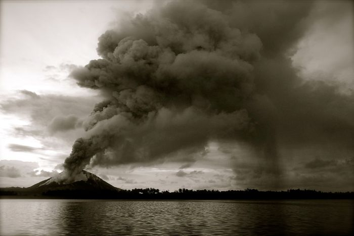 Eruption at Mount Tarvurvur in the Rabaul Caldera.
