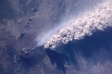 Photographed by an astronaut aboard the International Space Station, Etna erupts on 22 July 2001. (NASA)