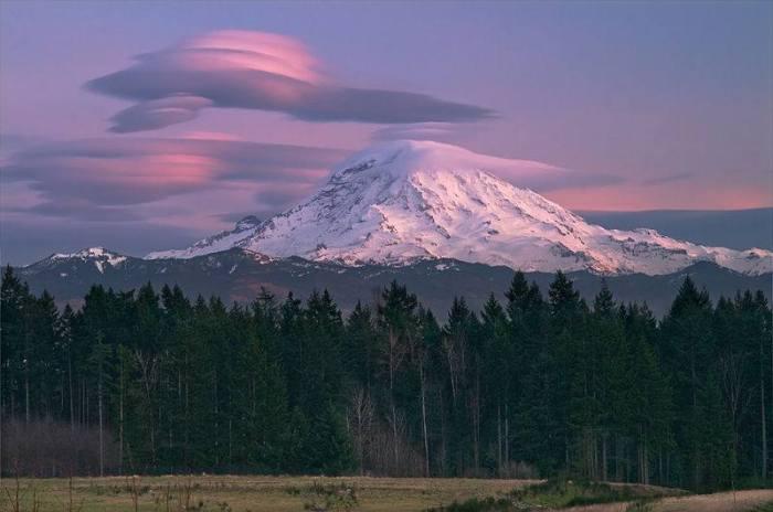 Lenticular-clouds-4