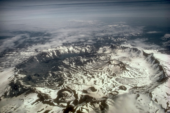 Photograph from the Wikimedia Commons showing the location of the volcanic vents and the size and depth of the Caldera.