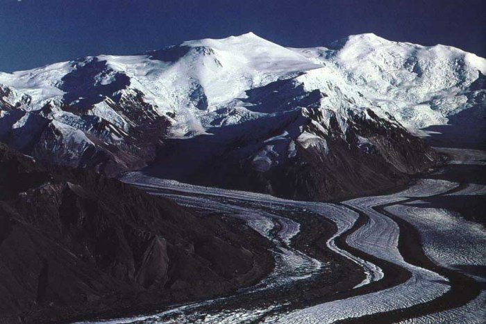 The Bona-Churchill Massif with the Klutlan Glacier flowing out. Photograph by George Herben.