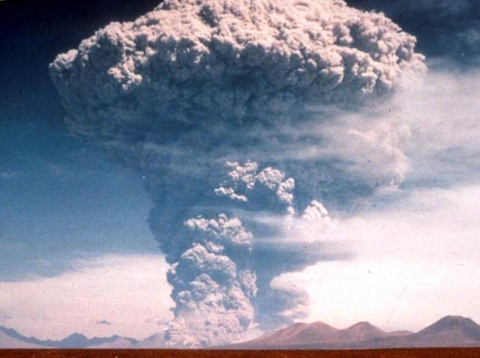 The tell-tale mushroom cloud of a Plinian eruption.