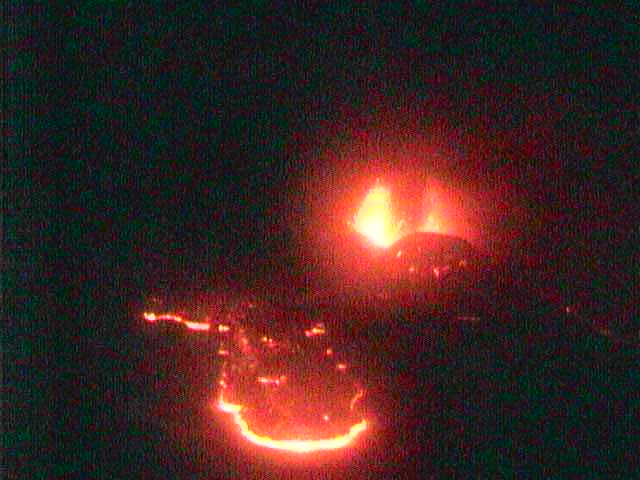 Lava flow at Etna heading towards the Radiostudio7 cam.