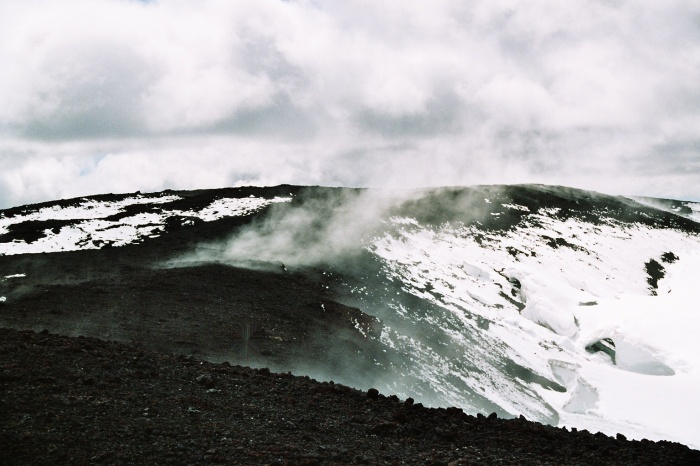 The steaming top of Hekla. Image from Wikimedia Commons.