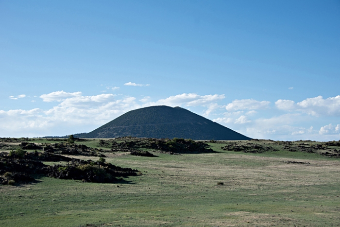Capulin Volcano - http://www.volcaniclandscapes.com/category/geology/volcano/