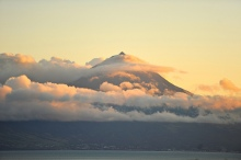 Mount Pico or Ponta de Pico. Photo by Marco Derksen (CC-NC).