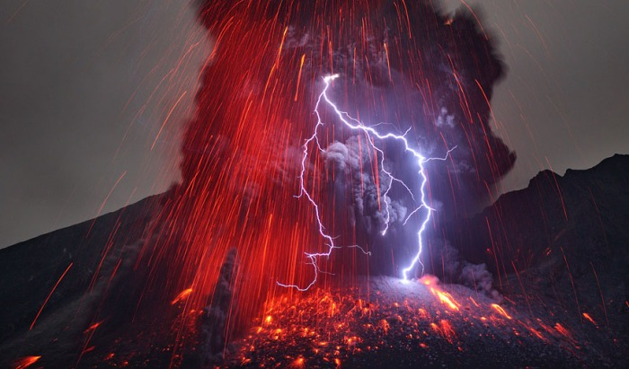 This iconic image of Sakurajima is taken by Martin Rietze.