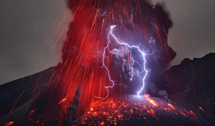 This iconic image of Sakurajima is taken by Martin Rietze.