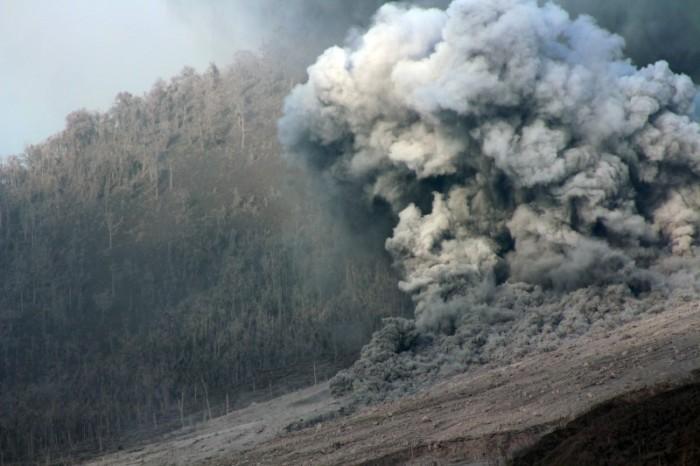 Sinabung: Photograph by Abdullah Arief Siregar.