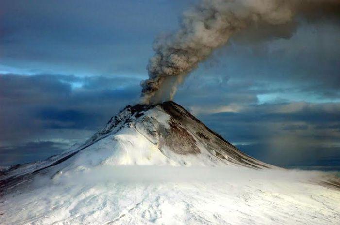 http://en.wikipedia.org/wiki/Augustine_Volcano
