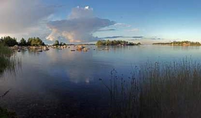 The eruption cloud of yesterday's phreatic explosion, a precursor of a super-eruption scientists at Uppsala University fear may be imminent.