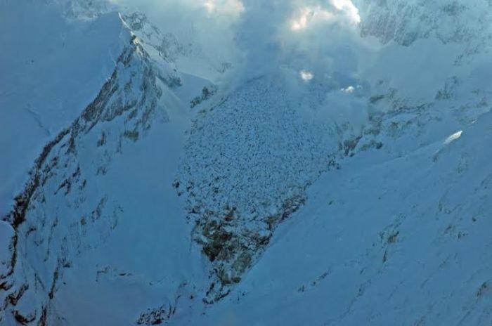 Image courtesy AVO/USGS, Game McGimsey, Nov. 2, 2009, https://www.avo.alaska.edu/images/image.php?id=19357