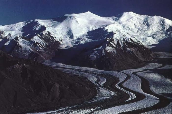 Mount Churchill / Mount Bona - http://www.skimountaineer.com/ROF/ROF.php?name=Bona