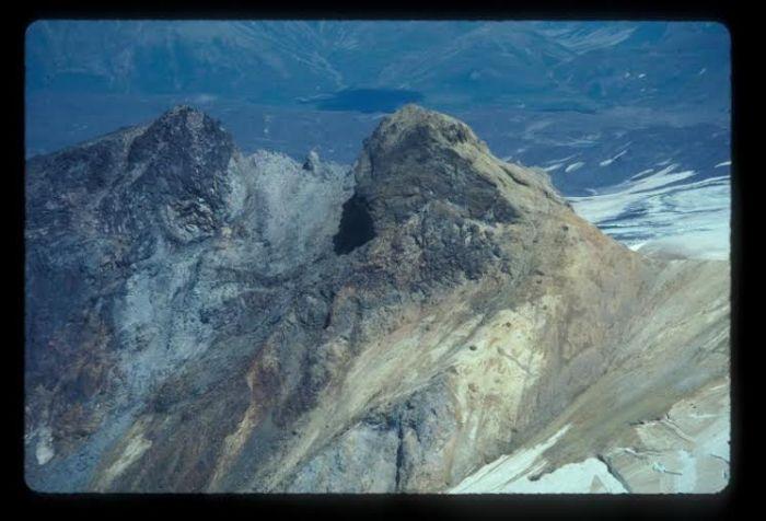 Alagogshak Volcano.  Photo courtesy AVO / USGS, Wes Hildreth, 1997, http://www.avo.alaska.edu/images/image.php?id=33653