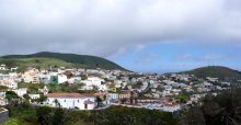 Valverde in El Hierro, close to the current activity. Image from Wikimedia Commons.