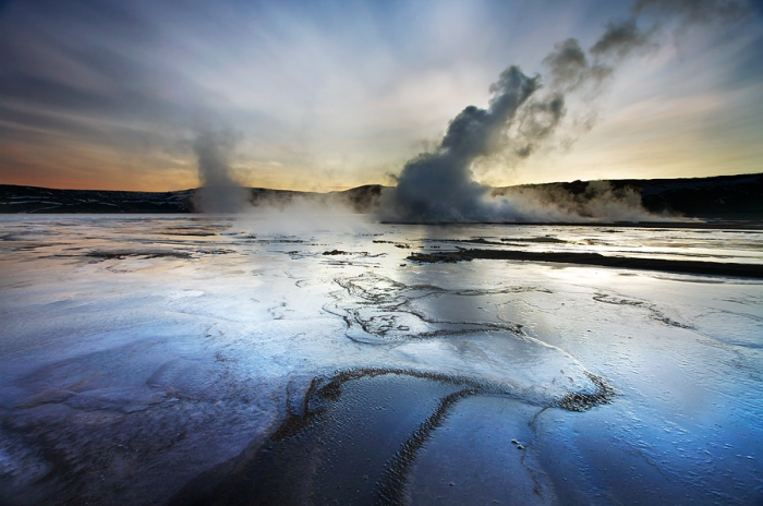 This wonderful image of a thermal field in Reykjanes was honestly stolen from Snorri Gunnarssons page www.iceland-phototours.com