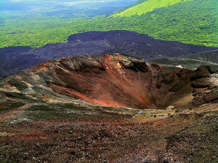 Cierro Negro Crater. Image Wikimedia Commons