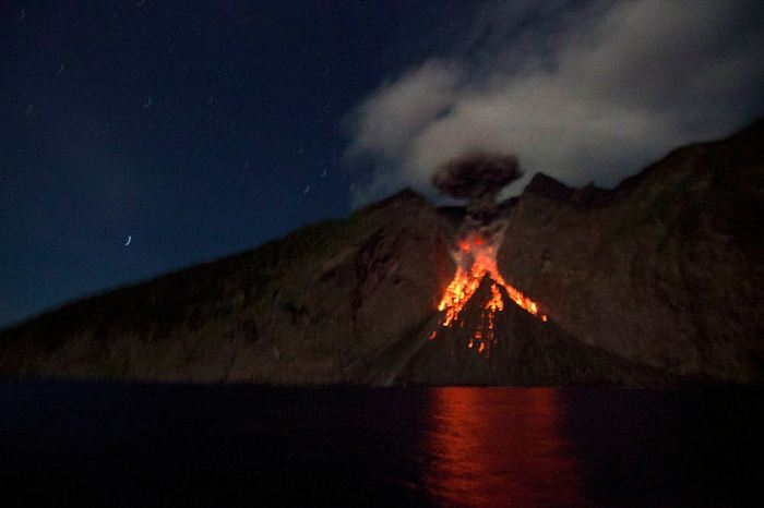 Fig 1: Eruption on Batu Tara.  Photo by Debbie Arriaga, Arenui Boutique Liveaboard. ©Debbie Arriaga, 2014. All rights reserved. Reproduced with kind permission from the photographer.