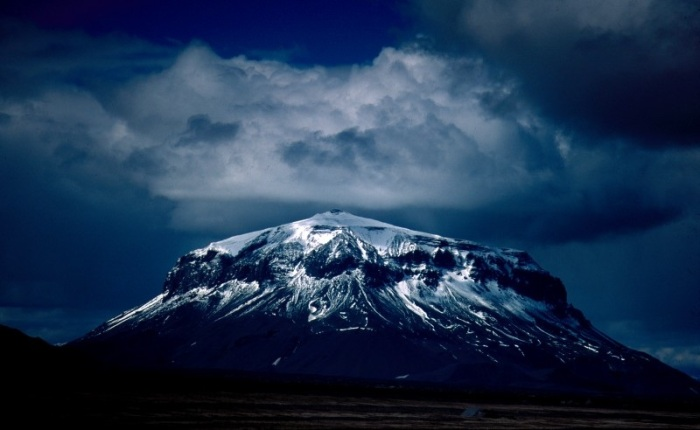 Few volcanoes portray the same raw beauty as Herðubreið. Photograph by Thrainn Vigfusson.