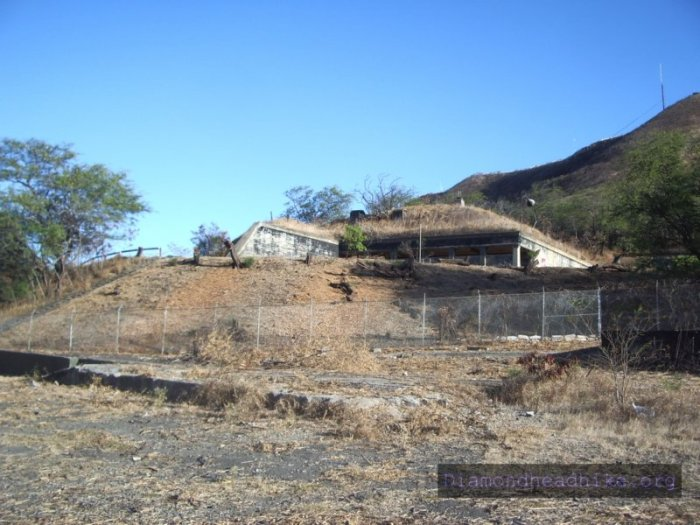 Section of Battery Harlow. Image and copyright by DiamondHeadHike.org