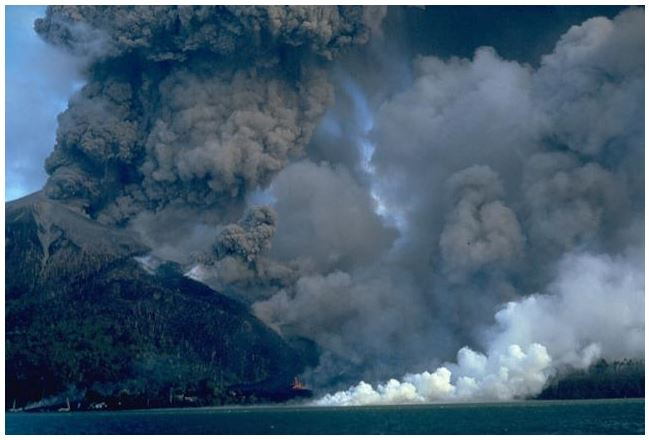 Fig 6: The 1988 eruption of Banda Api.  Photo by Willem Rohi, 1988 (Volcanological Survey of Indonesia). Source: http://www.volcano.si.edu/Photos/full/008036.jpg