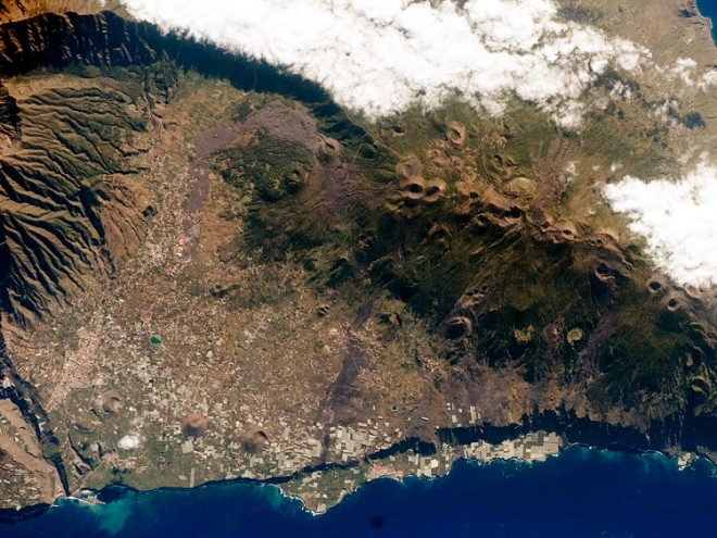 La Palma, the Cumbre Vieja Collapse, an overview is also provided here on Volcano Cafe https://volcanocafe.files.wordpress.com/2014/08/lapalma-sat.jpg?resize=660%2C495