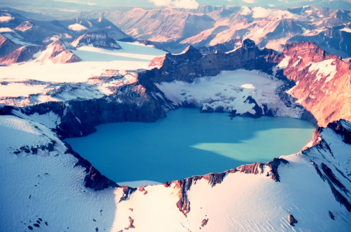 The 3 x 4½ km summit caldera of Mount Katmai, Alaska, that formed after the 1912 VEI 6 Novarupta eruption (Wiki)