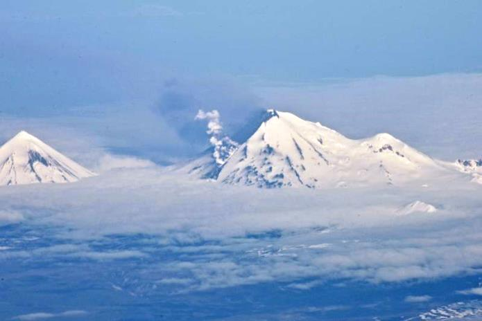Lava flow down Pavlof, photo taken from Alaska Airlines 737, photo courtesy AVO, June 2014