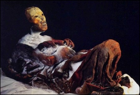Juanita the mummy; an Incan sacrificial offering discovered on Ampato volcano in 1995 by archaeologist Johan Reinhard after the eruption of Sabanacaya Volcano. Photo: Museo Santuario de Altura del Sur Andino, Arequipa