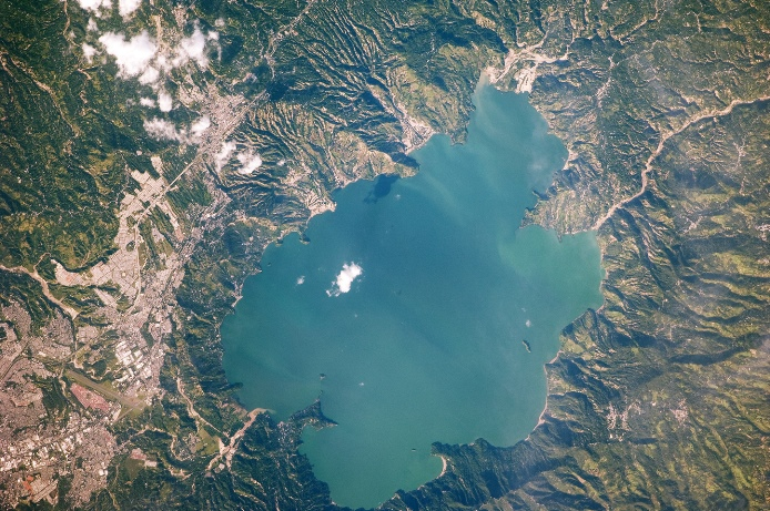 Lake Ilopango and Ilopango caldera from space, LANDSAT - http://earthobservatory.nasa.gov/IOTD/view.php?id=41581