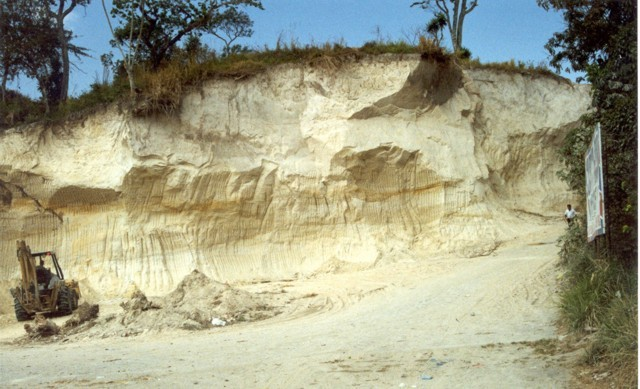 Tierra Blanca Joven pyroclastic flow - http://www.earth-of-fire.com/skeletons-old-of-1-600-years-preserved-by-the-ashes-of-the-ilopango.html