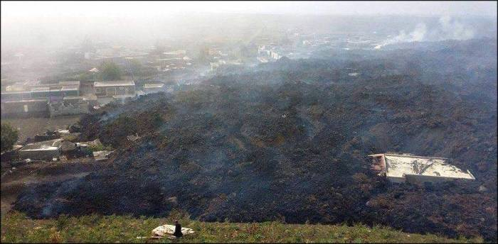 Lava destroyed school, Hotel Pedra Brabo and several houses of Portela, 02-12-2014