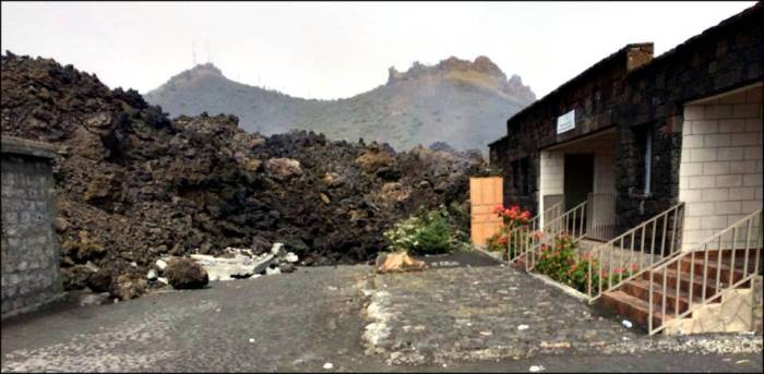 Lava destroying private property (courtesy of Fogo News)